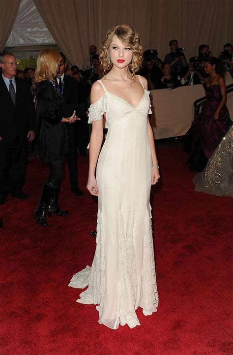 taylor swift dress buzzfeed here s every dress taylor swift has ever worn to the met gala