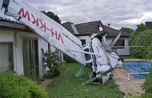 backyard airplane light plane crashes in melbourne yard abc melbourne australian broadcasting