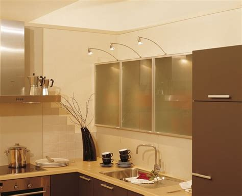 kitchen over cabinet lighting 17 best images about beautiful kitchens on pinterest