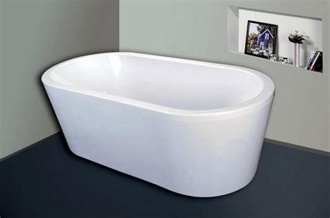 plastic bathtubs the advantages and disadvantages of having plastic