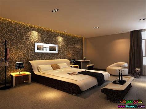 ديكورات ورق حائط غرف نوم باللون البني الجميل رائع وعصري