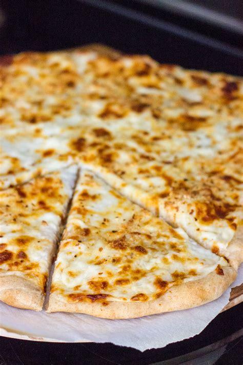 cheesy alfredo pizza kendras treats