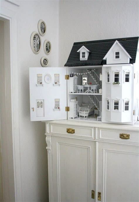 white doll house 17 best images about doll house renovation on pinterest dollhouses diy dollhouse and vintage