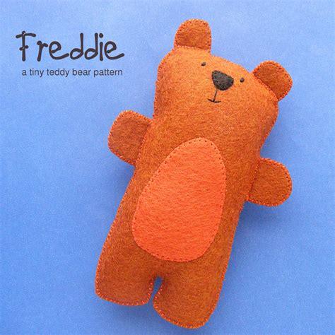 pattern felt bear freddie the tiny teddy bear softies sew pattern and