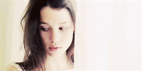 astrid berges frisbey gif hunt tumblr the gif garden