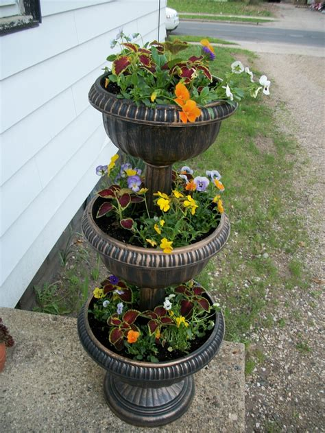 Tiered Garden Planters by Three Tiered Planter Yard And Garden