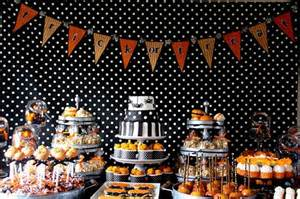 Glow In The Dark Table 25 tips and inspiration for your halloween candy table