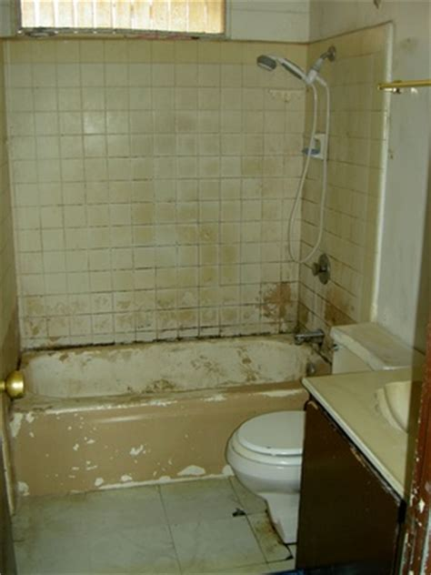 ugly bathtub bathroom remodeling tips home guides sf gate