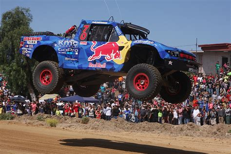 bryce menzies scores  fourth trophy truck win