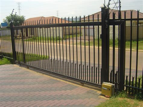 electric fences electric fencing steel security