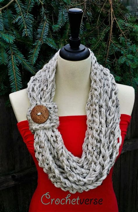 how to end knitting an infinity scarf 1000 ideas about infinity scarf knit on knit
