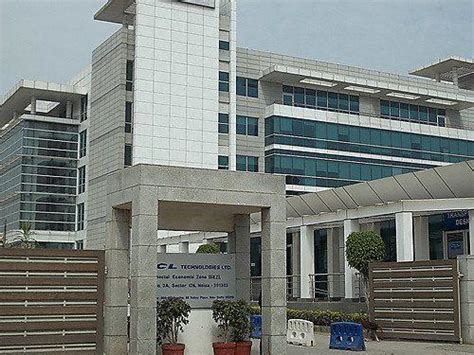 In Hcl Noida For Mba Marketing sez building sector 126 hcl technologies office