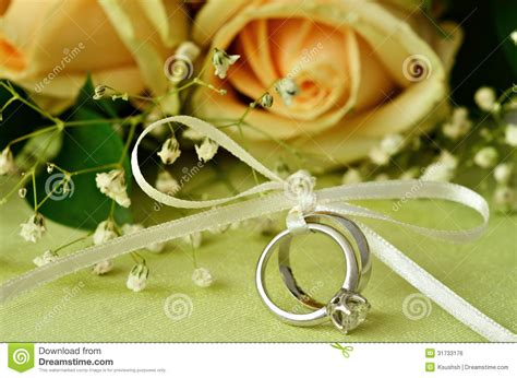 Wedding Background Apple Green by Bouquet Of Roses And Wedding Rings Stock Photo Image