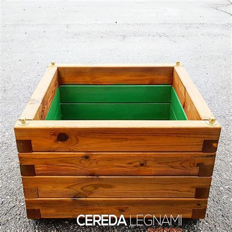 vasi legno vasi fioriere e grigliati in legno cereda legnami