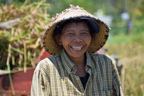 Puzzle Wajah Anak Wanita gambar orang orang orang wanita perjalanan pria anak pertanian raut wajah tersenyum
