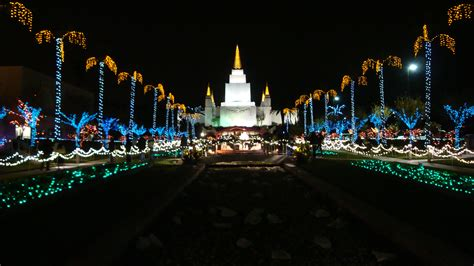 xmas lights eurekaca i the phrase quot if one goes out they all go out quot doesn t apply to these homes lds s m i l e