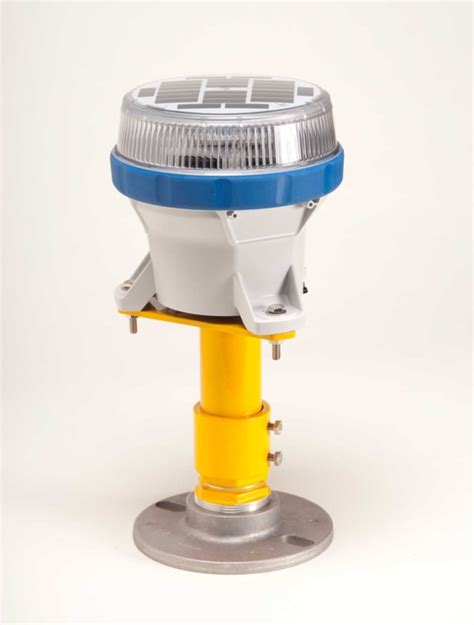 what color are taxiway lights solar taxiway lighting carmanah airport lighting solutions