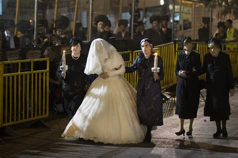 being a guest at a jewish wedding a guide my jewish orthodox jewish wedding of shalom rokeach and hannah batya