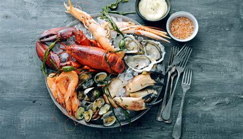 fruit de mer fruits de mer met mayonaisesaus delicious magazine