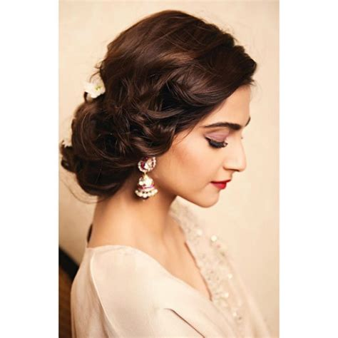 Pictures Of Hairstyles For by Best Sonam Kapoor Bun Hairstyles For Indian Wedding And