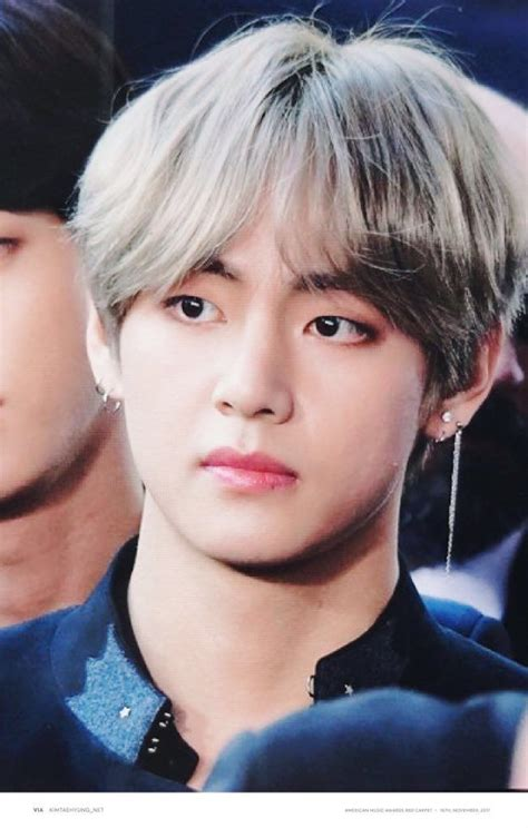 kim taehyung piercings best 25 bts earrings ideas on pinterest jimin earrings