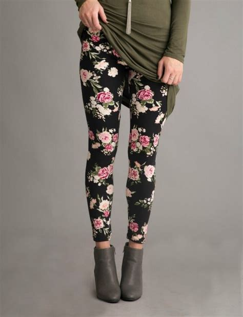 pattern leggings canada 25 best ideas about patterned leggings outfits on