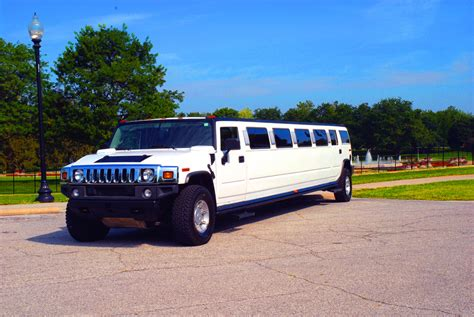Limo Services Near My Location by Limo Service 313 335 1568 And Limousine