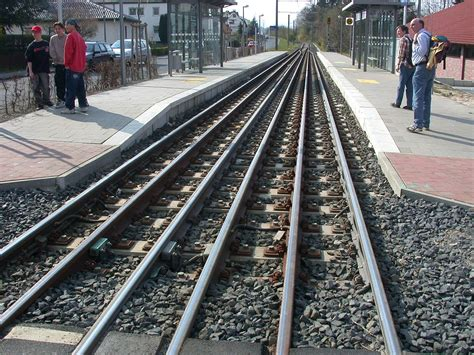 how long is a section of railroad track gauntlet track wikipedia
