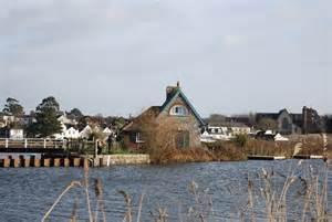 Topsham Lock Cottage by Lock Cottage Topsham Lock 169 N Chadwick Cc By Sa 2 0