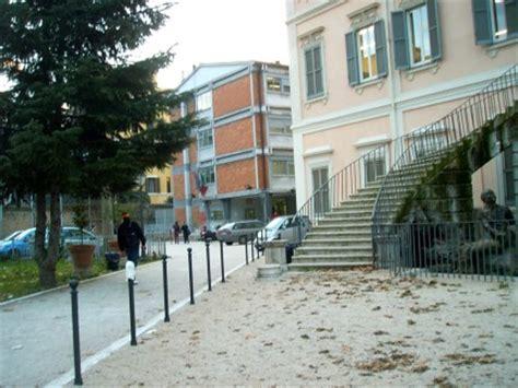 libreria manzoni roma le recensioni dei licei di roma il newton di viale manzoni