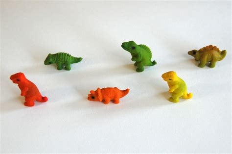 expanding in water freebie 5 x mini growing dinosaur colored