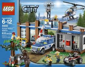 2012 lego city sets bring hillbillies bears forest fires