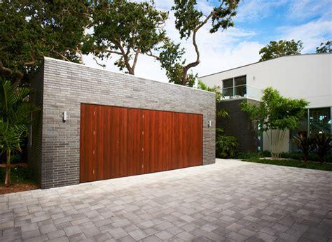 Allée De Garage Moderne 3396 by Barrier Island House Modern Garage Annan Av