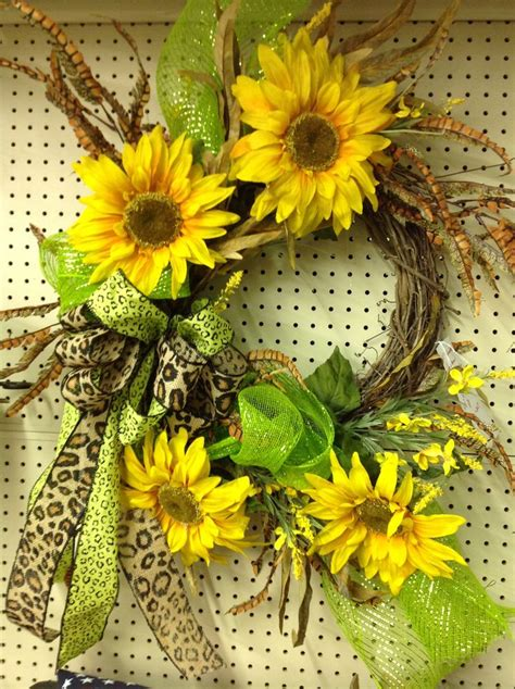 julyaugust sunflower wreath burlap ribbon  mesh