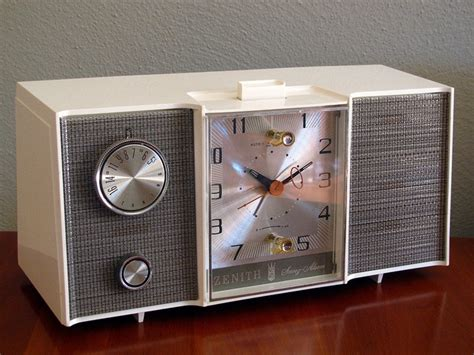 zenith l514w clock radio 1964 my parents alarm clock my entire childhood i remember this