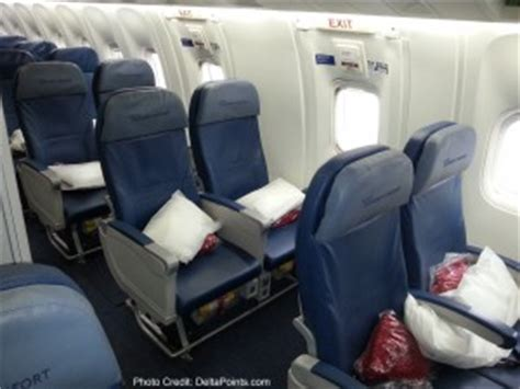 do exit row seats recline on american airlines delta air lines 767 300 business class economy comfort