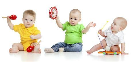 imagenes de niños jugando con instrumentos musicales los primeros instrumentos de percusi 243 n de mi beb 233