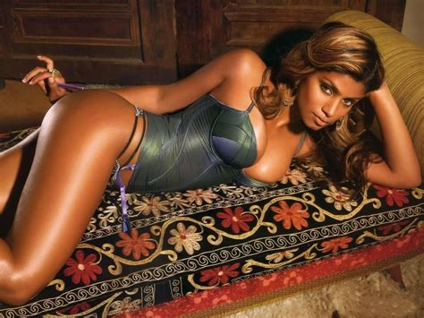 nigeria girl lingerie what it takes to be a female phone operator lingerie