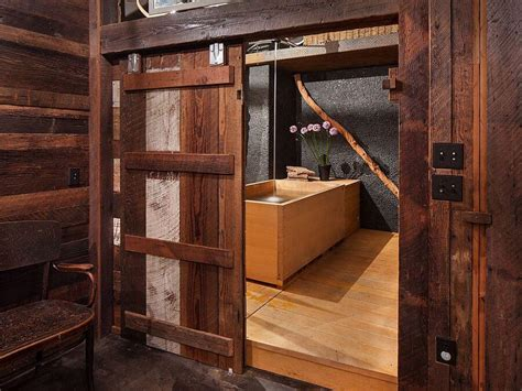 8 Rustic Bathroom Designs With Sliding Barn Doors Https Rustic Sliding Barn Doors