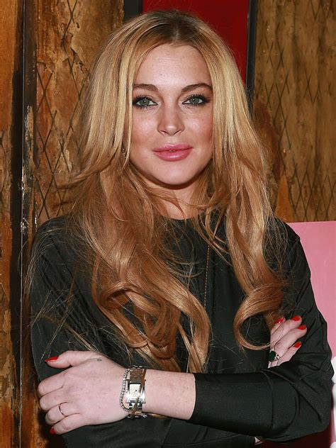 lindsay lohan actress accidentally tweets you re a