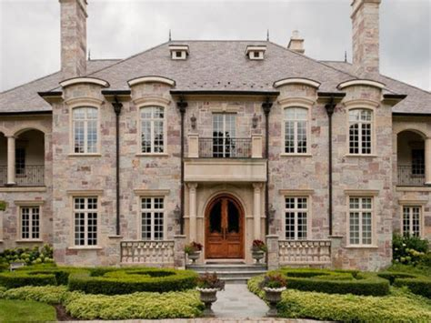 Estate of the Day: $4.8 Million Majestic Mansion in Barrington, Illinois