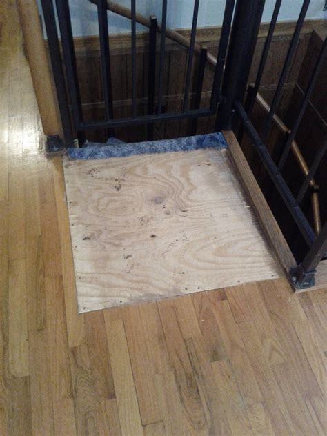 repair is it possible to replace this board in the floor with similar hardwood flooring