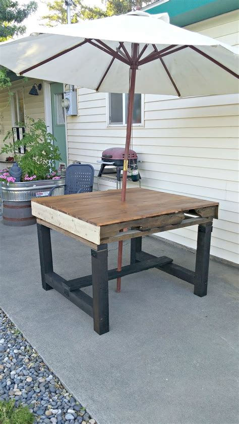 recycled pallet dining table recycled pallet outdoor dining table vintage cottage