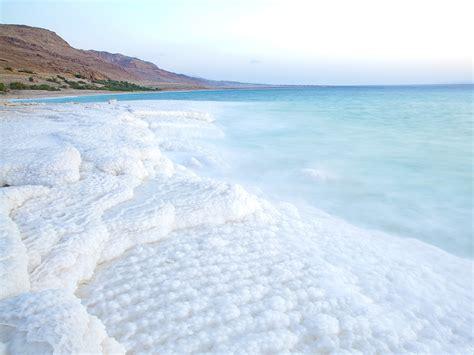 why is the dead sea called the dead sea deadsea