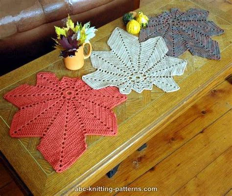 free knitting patterns for table runners abc knitting patterns chestnut leaf table runner and