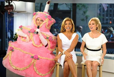 what products does hoda kotb use on her hair kathie lee gifford leaves pal hoda kotb speechless with a