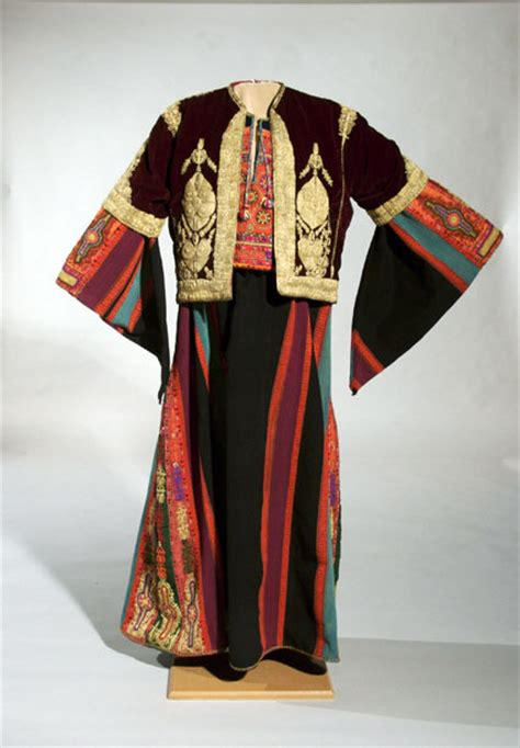 Jaket Palestina Sweater Palestina Hoddie Palestina Embroidering Identities A Century Of Palestinian Clothing