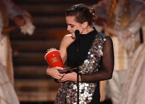 emma watson independent film mtv movie awards 2017 emma watson exalts gender neutral