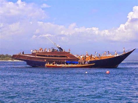 charter boat bali dragoon 130