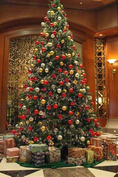 room candy oh christmas tree